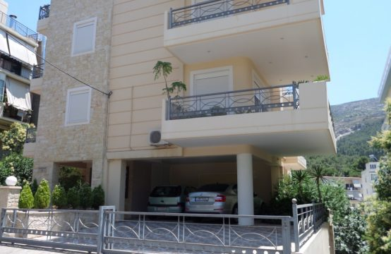 Cosy apartment in Kareas area