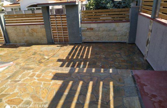 Porto Rafti independent house with garden