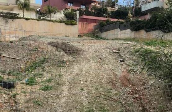 Land plot 450m from the sea